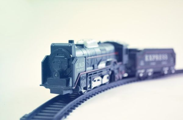toy_train_hires